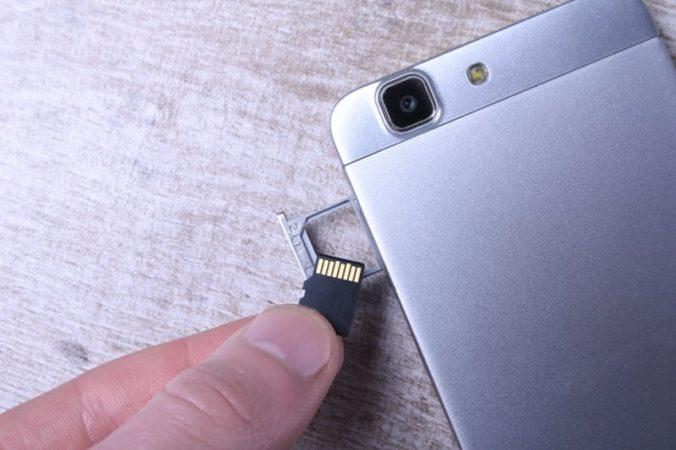 Como configurar o celular para armazenar no cartão de memória?