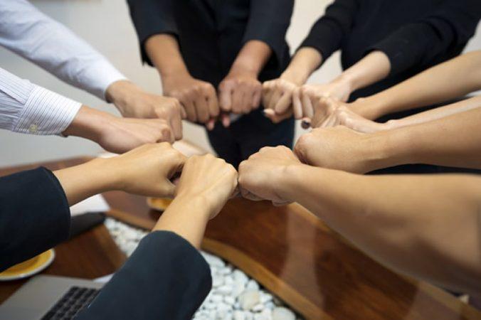 Como podemos definir os stakeholders do projeto